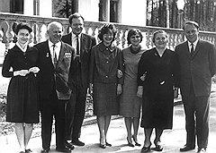 """""""Тогда впервые в советской истории родственники первого лица начали обсуждать даже самые щекотливые государственные проблемы со своими друзьями и знакомыми"""""""