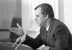"""""""Вообще настроение Рыжкова из-за проблем с бюджетом было не лучшим. Минфин тогда привел расчеты огромных потерь бюджета от снижения продажи спиртного"""""""