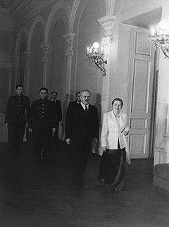 """""""Молотов не возражал и тогда, когда арестовали его жену Полину Жемчужину. А он ее искренне всю жизнь любил"""""""