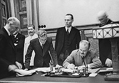 """""""Могу сказать, каким было настроение после подписания пакта Молотова—Риббентропа. Наши руководители чувствовали себя так, будто ухватили бога за бороду"""""""