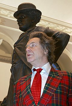Художник Александр Шилов на открытии выставки Зураба Церетели. Москва, 2006 год