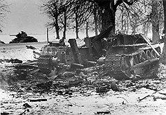 Низкокачественная броня и конструктивные особенности делали советские танки легко подбиваемыми и легко воспламеняемыми