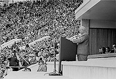 Об изменениях в своей судьбе руководители страны узнавали из судьбоносных речей Хрущева на многотысячных митингах