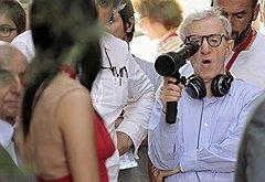 """Вуди Аллен не отвлекается от съемочного процесса даже ради того, чтобы забрать свой """"Золотой глобус"""" за лучший сценарий"""