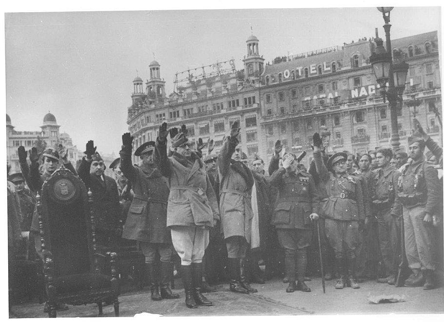 Отступление Сталина в конфликте с Италией стало одной из причин успешного наступления и победы франкистов в Испании