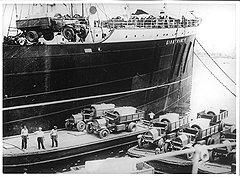 """Долгое обсуждение советско-итальянского торгового договора привело к тому, что его смысл свелся к формуле """"Нефть в обмен на продукцию машиностроения"""""""