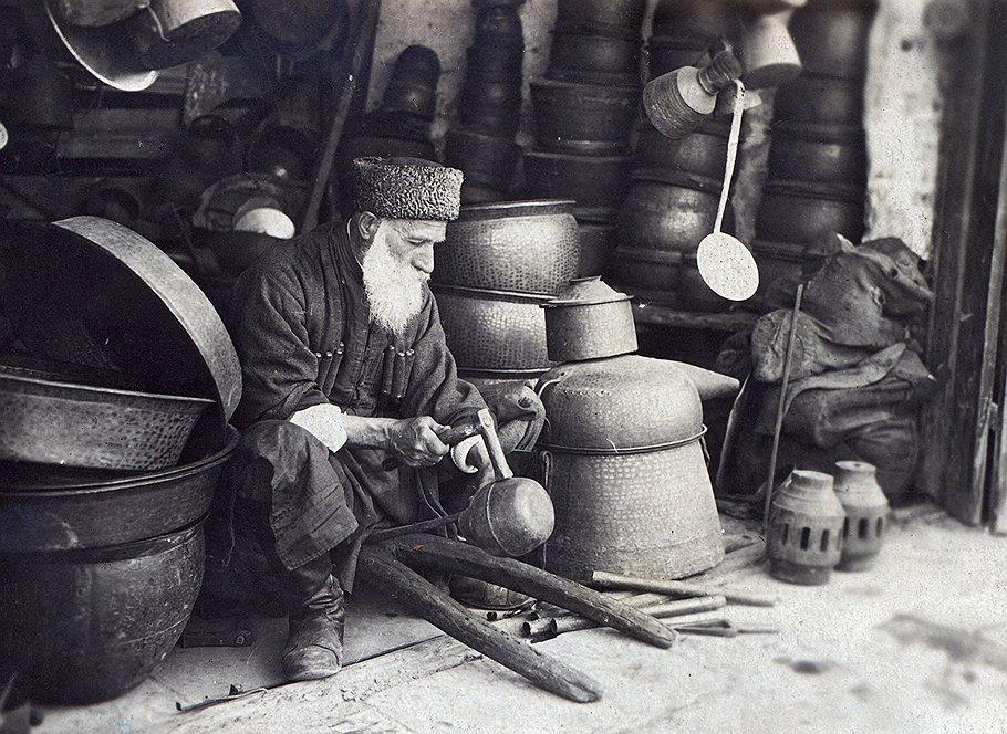 В качестве основной платы за признание СССР де-юре итальянские предприниматели хотели получить контроль над рынком Закавказья де-факто
