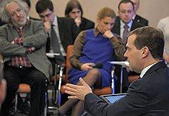 """Дмитрий Медведев стал чаще встречаться с экспертами после запуска """"открытого правительства"""""""