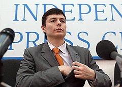 Денис Солопов, Александр Долматов и Андрей Сидельников (на фото) скоро могут стать популярными консультантами по получению политического убежища в странах Европы