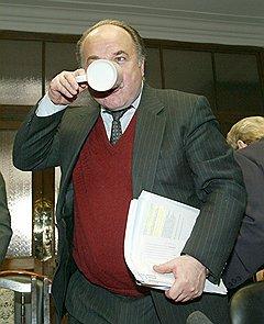 Председатель комитета Госдумы по культуре и туризму Николай Губенко. Москва, 2003 год