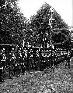 Строй полков пополнился после того, как были резко сокращены ряды денщиков