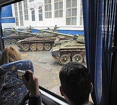 Производство танков, которые критикует Минобороны, не мешает Уралвагонзаводу получать новые контракты