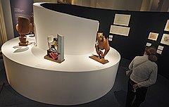 В экспонатах выставки зрители с трудом узнают авторство человека, спроектировавшего здание Центросоюза на Мясницкой улице