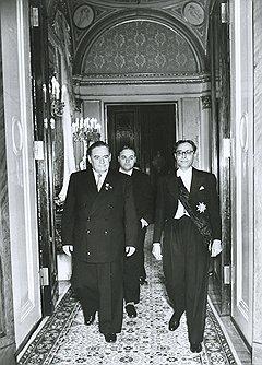 Высокое положение заместителя председателя Президиума Верховного совета СССР помогло Василию Козлову (на фото слева) избежать унизительного разбирательства его роли в деле о минском подполье