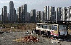 Полезная площадь новых зданий, которые будут построены в Китае в ближайшие 20 лет, составит почти 40 млрд кв. м — для этого придется возвести от 20 тыс. до 50 тыс. небоскребов