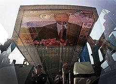 Простым китайцам Си Цзиньпин понравился тем, что отказался от партийной абракадабры и заговорил простым языком о волнующих людей проблемах