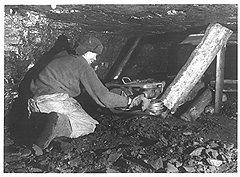 Тяжелые условия работы в шахте помогли выявить в герое-орденоносце Бутове времен Гражданской войны капитана вермахта времен Великой Отечественной