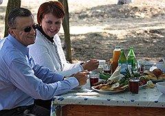 Всю свою чиновничью карьеру Елена Скрынник конфликтовала с первым вице-премьером Виктором Зубковым, пытаясь поделить с ним контроль над сельским хозяйством