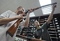Потребительские качества продаваемого в магазинах оружия удовлетворяют далеко не каждого покупателя