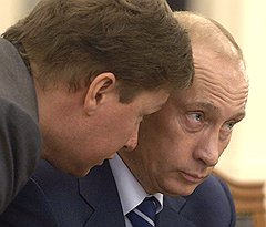 """Если """"Газпром"""" (на фото глава компании Алексей Миллер с Владимиром Путиным)поторопится, а война в Сирии затянется, Москва может сохранить господство на европейском газовом рынке"""