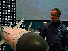 Хотя Долматов работал ведущим конструктором на ракетном заводе, уровень допуска к гостайне у него был как у участкового или выпускника военного вуза