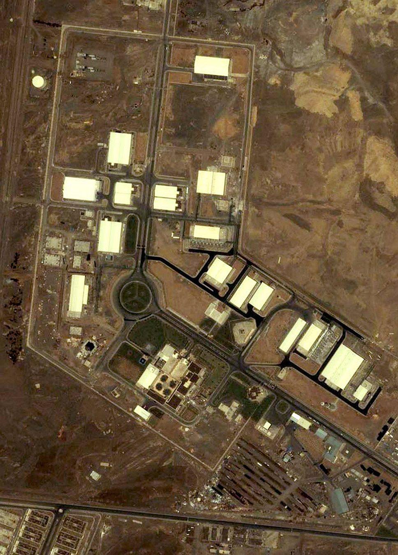 Считается, что атака вируса Stuxnet на завод по обогащению урана в Натанзе (на фото) оказалась более разрушительной, чем ракетно-бомбовый удар