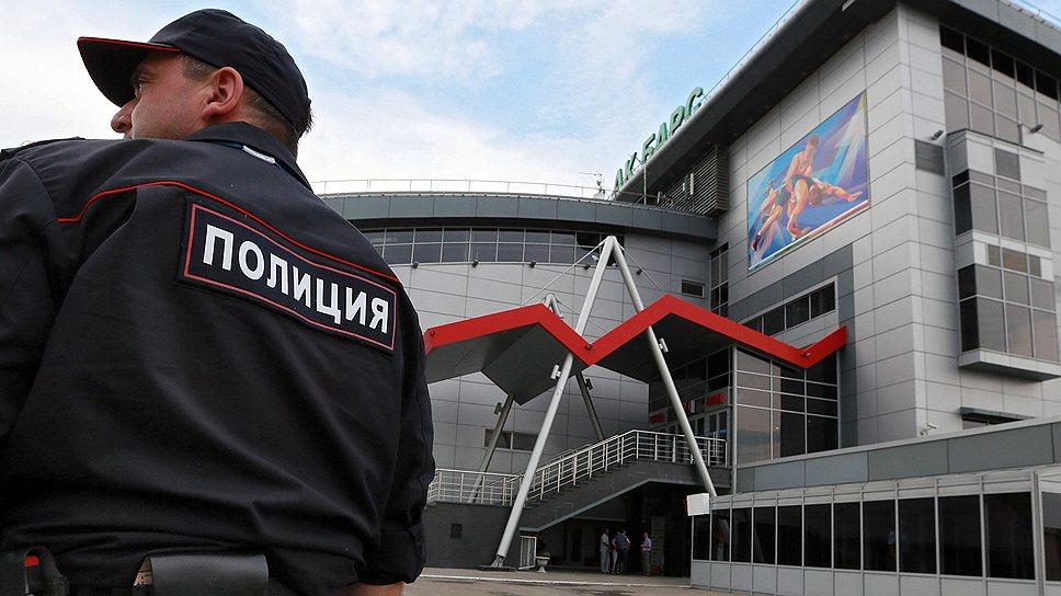 Более 30 тыс. полицейских охраняют спортивные сооружения не хуже режимных объектов