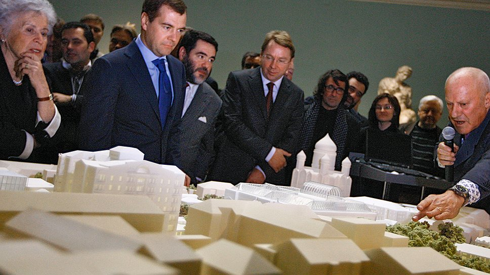 Ирина Антонова привлекла Нормана Фостера к реконструкции музея, чтобы произвести впечатление на председателя попечительского совета ГМИИ Дмитрия Медведева