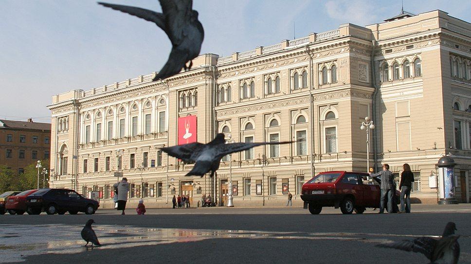 Мысль о превращении в ПТУ при Мариинском театре не слишком окрылила сотрудников Санкт-Петербургской консерватории