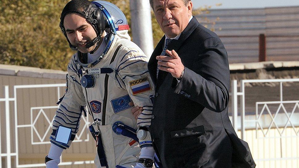 Проиграв аппаратную борьбу, Владимир Поповкин покинул пост главы Роскосмоса