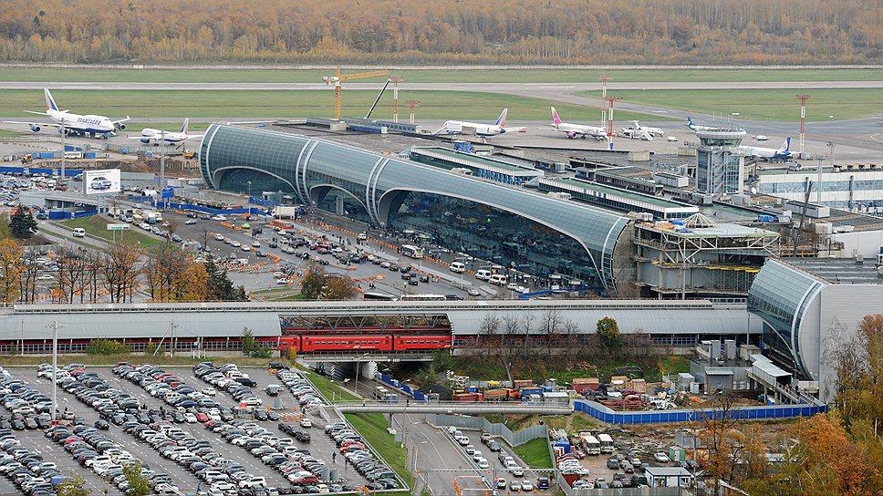 Экспертиза в сфере аэропортов и авиации является куда менее монополизированной, чем в сфере труб и железных дорог, из-за большого количества конкурирующих игроков на рынке