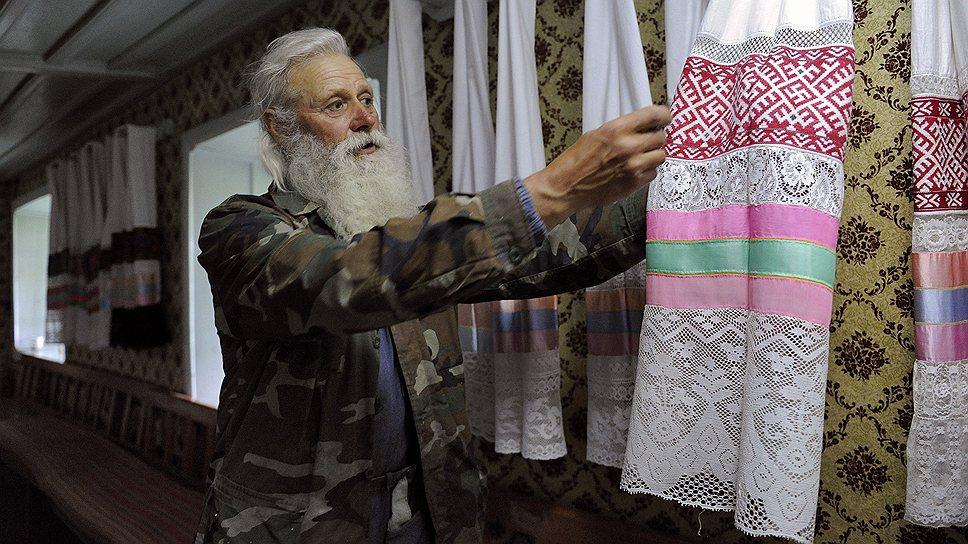 Николай Сухоруков, хранитель традиций духоборов, в молельном доме