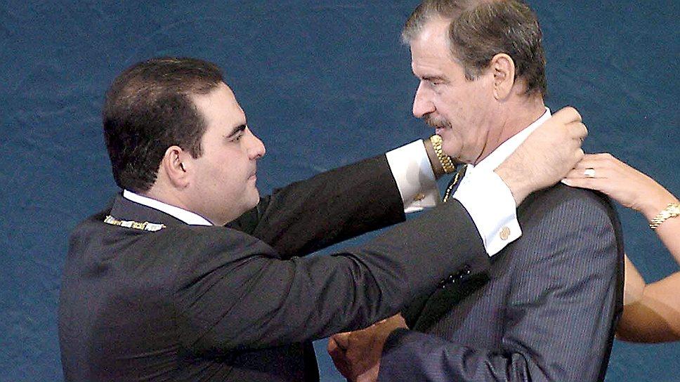 Президент Мексики Висенте Фокс (справа). Мехико, 2005 год