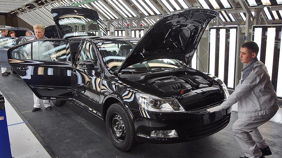 В Калужской области, где в последние годы открылось множество автомобильных заводов, соотечественников отбирают тщательно, отказывая каждому третьему