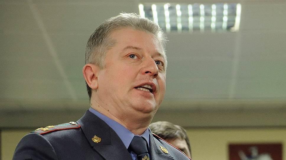 С 1985 года Александр Ильин работал в Ярославской госавтоинспекции, где прошел путь от госавтоинспектора до начальника управления ГИБДД УВД по Ярославской области