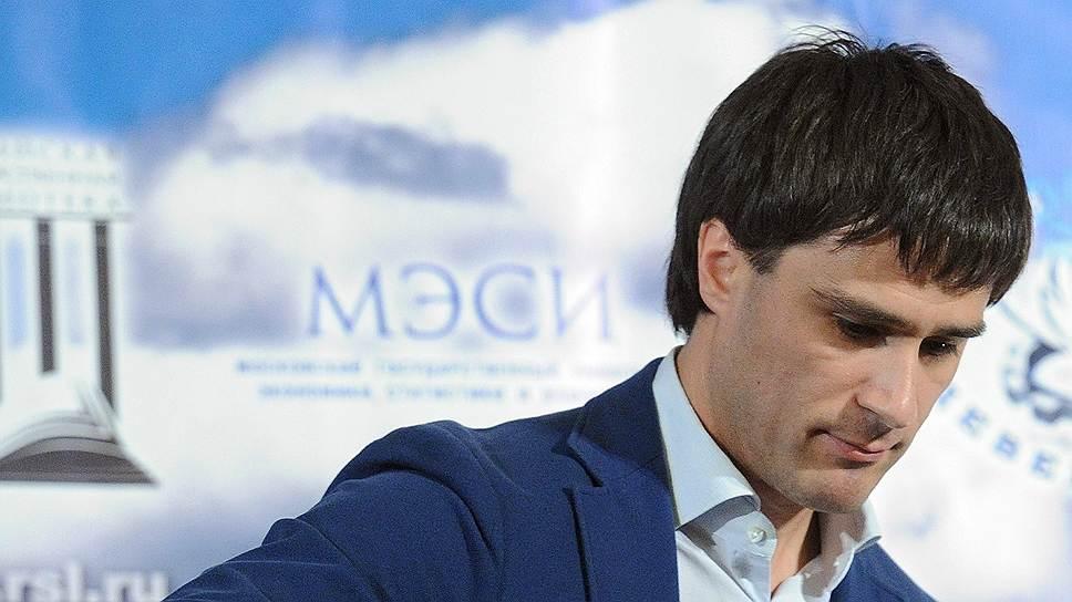 После смены губернатора Руслан Гаттаров вернулся из Совета федерации в родную область