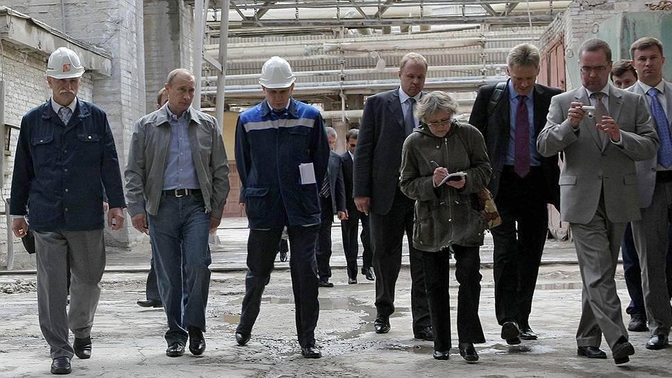 Посещение Владимиром Путиным моногорода Пикалево запомнилось многим россиянам, особенно Олегу Дерипаске