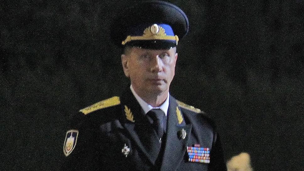 В первой половине 1990-х годов Виктор Золотов был телохранителем мэра Санкт-Петербурга Анатолия Собчака