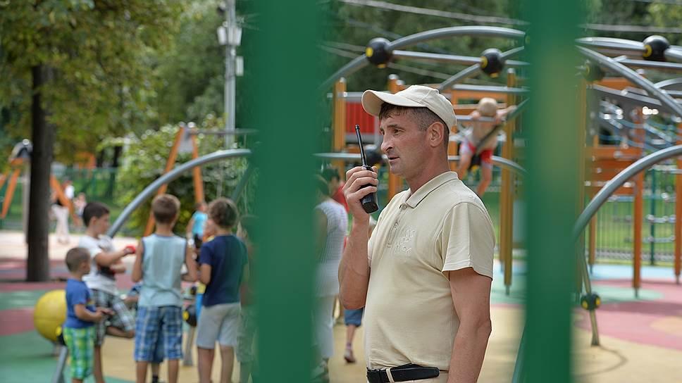 Алексей Пышнев, 16 раз побывавший на войне и списанный из-за ранений, теперь охраняет Краснопресненский парк за 1500 рублей в сутки