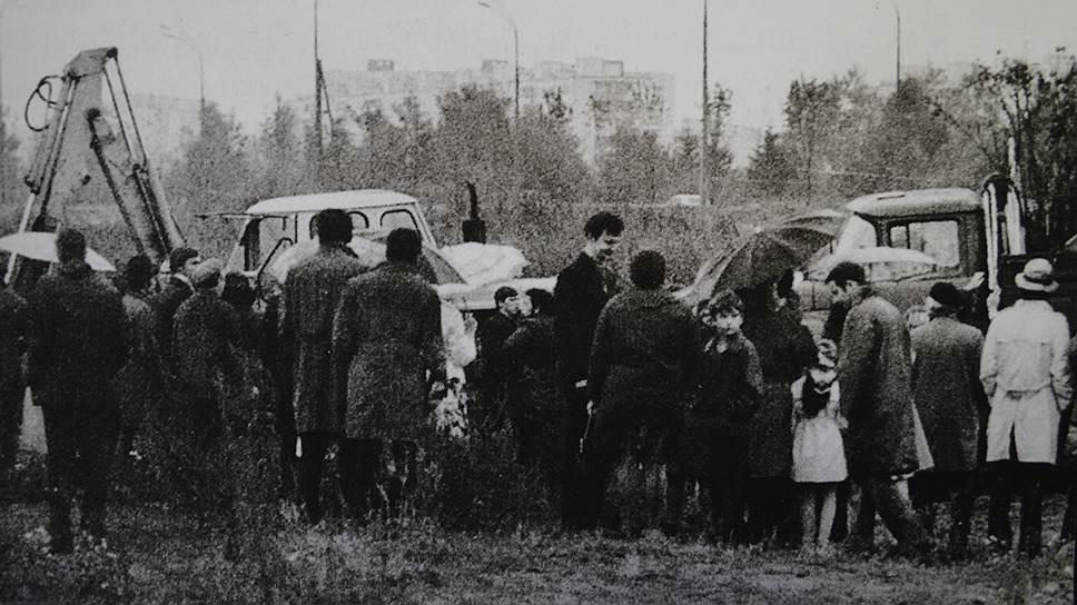 40 лет назад в бой против неугодных советской власти художников была брошена гусеничная техника