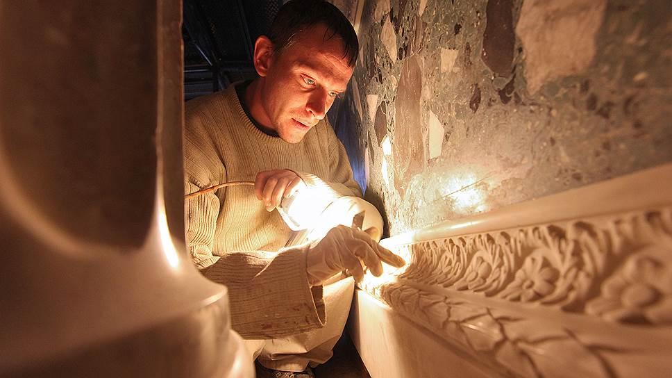 Согласно одобренному Советом федерации закону о меценатстве, к нему относится и реставрация культурных объектов