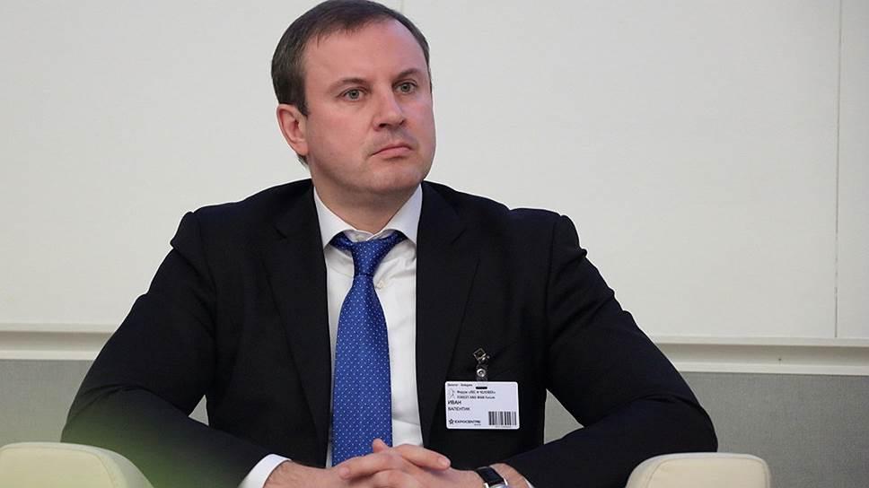 """Медведев выразил надежду, что на новой должности Иван Валентик """"применит все свои знания"""""""
