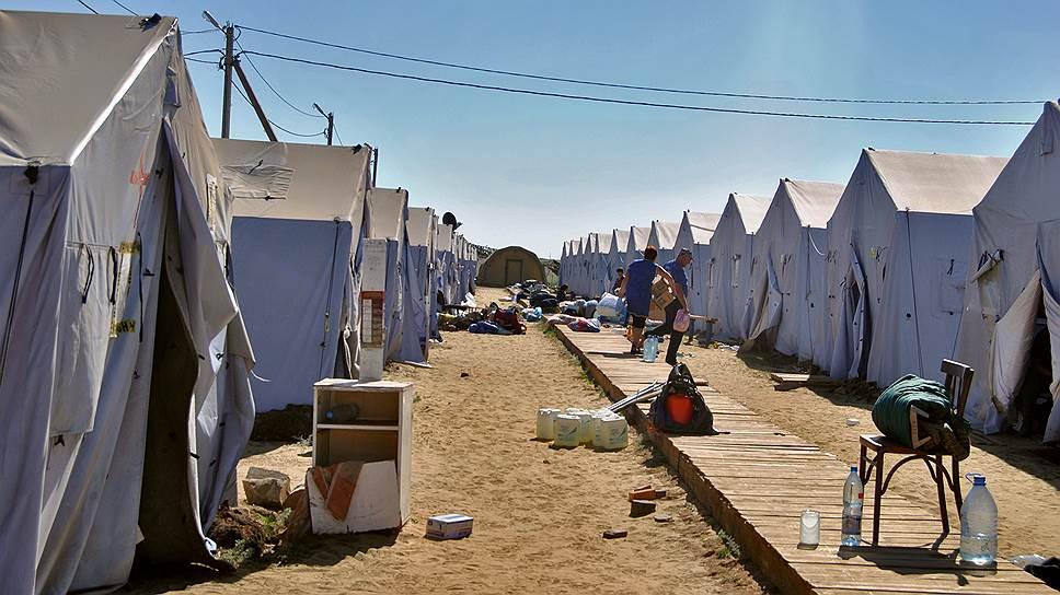 Когда в палаточных лагерях в Ростовской области стало слишком тесно, многие беженцы решились уехать на Дальний Восток