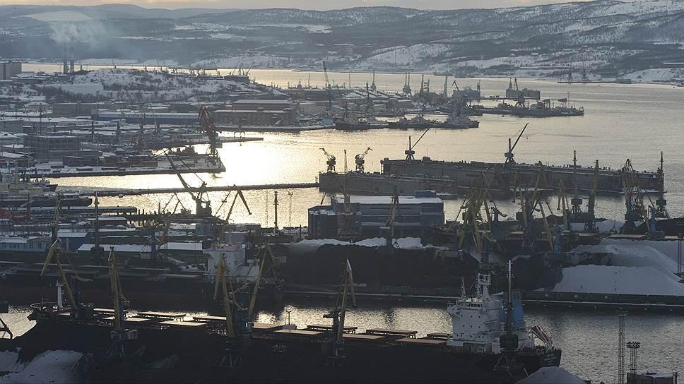 В советские времена Северный морской путь был востребован — большинство товаров на Дальний Восток завозилось из средней полосы или ввозилось транзитом из Мурманска (на фото)