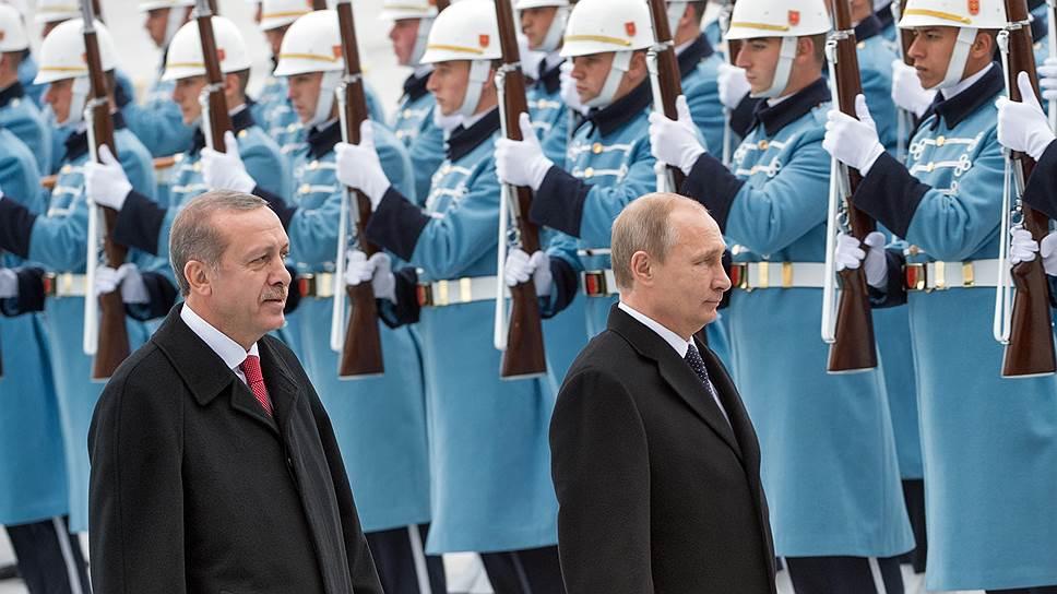 Декабрьский визит президента России Владимира Путина в Турцию стал новой позитивной вехой в и так почти безоблачных отношениях между двумя странами