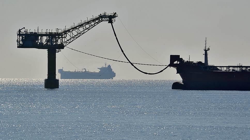 Если где-то подскакивает спрос на нефть, а долгосрочные контракты его не перекрывают, туда отправляется танкер
