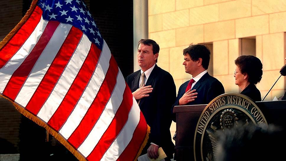 Реализовать масштабную иммиграционную реформу Бараку Обаме может помешать судья Эндрю Хейнен (слева)