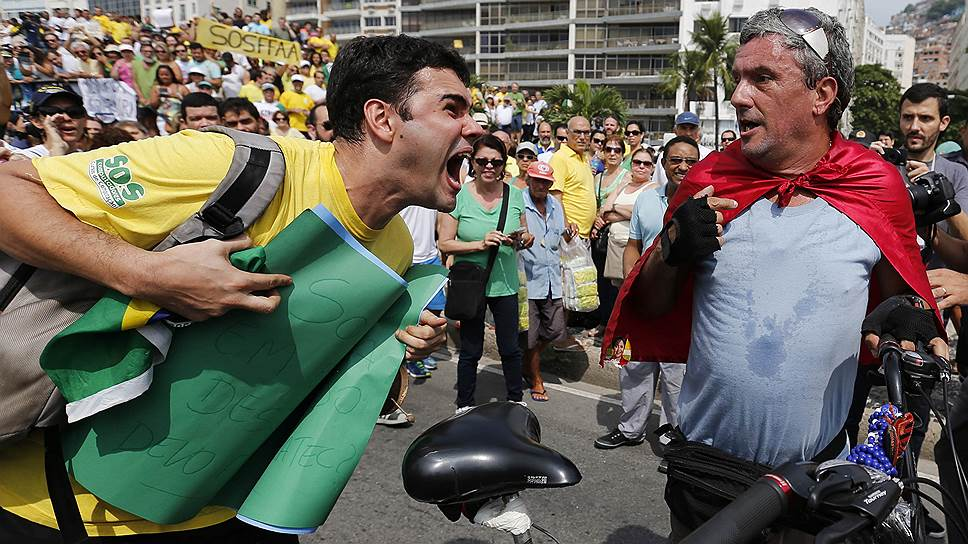 Вышедшие на протестные демонстрации жители Бразилии заставили президента Дилму Руссефф вспомнить о том, что она руководит демократической страной
