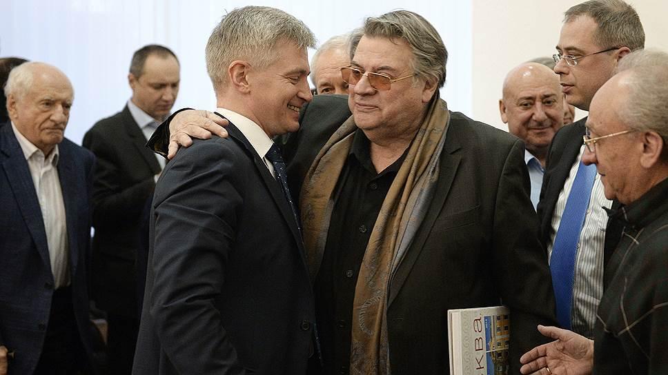 От заведования московским культурным наследием Александр Кибовский (в центре) перешел к руководству столичной культурой в целом