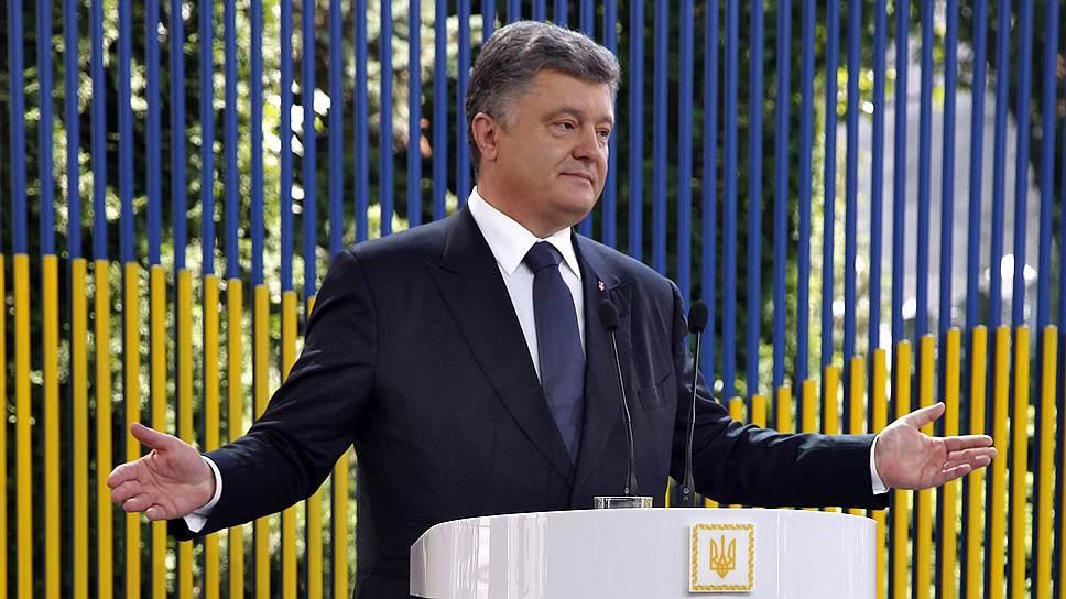 На посту президента Петру Порошенко пришлось решать проблемы, с которыми до него не сталкивался ни один президент Украины